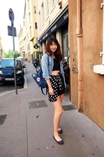 For casual and party look, match with skirt and denim jacket. (@Fashionmimo)